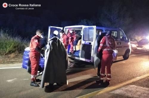 Lecce, i migranti appena soccorsi dalla croce rossa 5