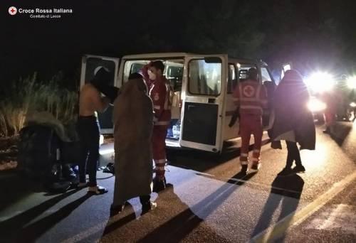 Lecce, i migranti appena soccorsi dalla croce rossa 6