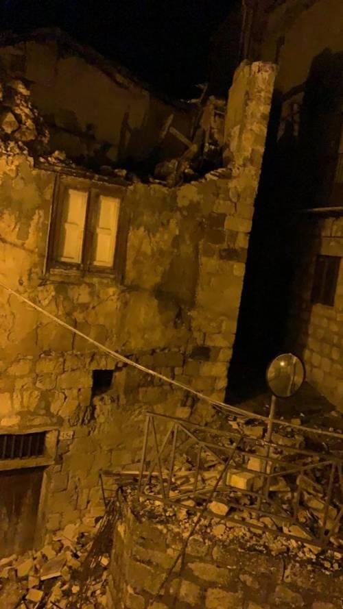"""Tetti crollati, alberi sradicati e decine di feriti: il bollettino """"di guerra"""" del vento 8"""