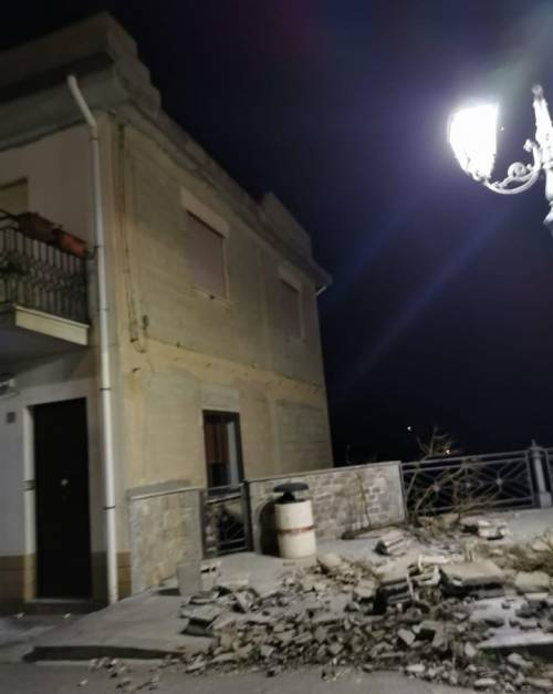 """Tetti crollati, alberi sradicati e decine di feriti: il bollettino """"di guerra"""" del vento 2"""