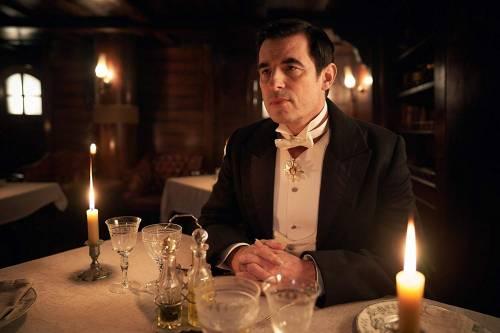 Dracula è la prima imperdibile miniserie tv del 2020