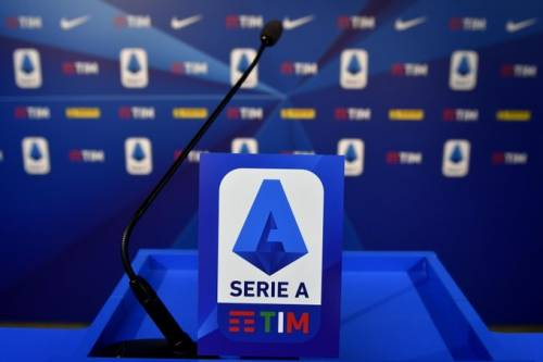 Serie A, accordo tra i club per il taglio degli stipendi ai calciatori
