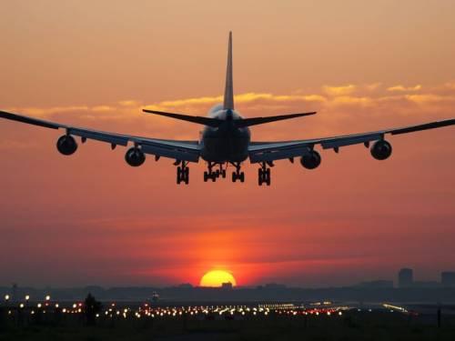 Le compagnie aeree vietano il passaggio dagli spazi aerei di Iran ed Iraq