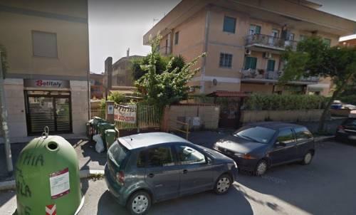 """Roma, ladri sequestrano mamma e bimbo: """"Ti stupriamo e ammazziamo tuo figlio"""""""