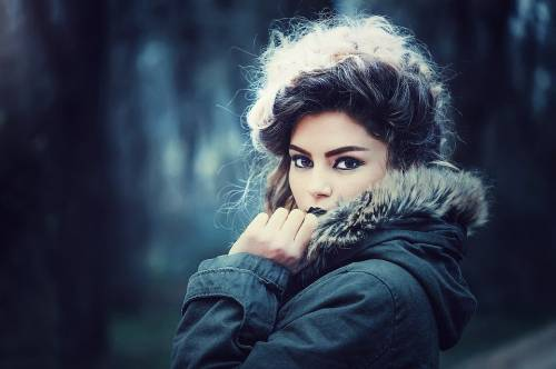 Come prendersi cura dei capelli quando fa freddo