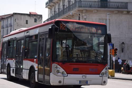 Il sindacalista sospeso perché dorme nel bus? Gli autisti scioperano