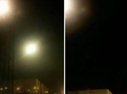 """Un lampo nel cielo di Teheran: """"Ecco il missile che colpisce l'aereo"""""""