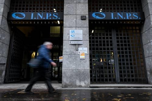 Pensioni, via subito Quota 100 e tagli sui nuovi assegni