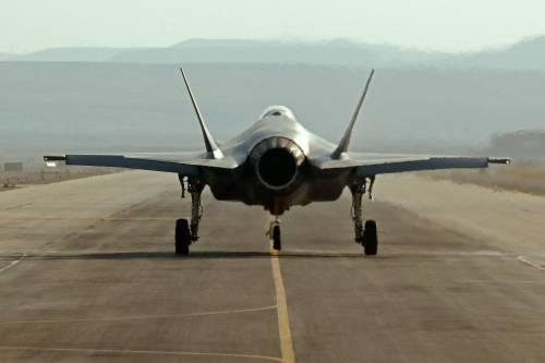 """Il caccia """"invisibile"""" di Israele appare sui radar: ecco cosa è successo"""