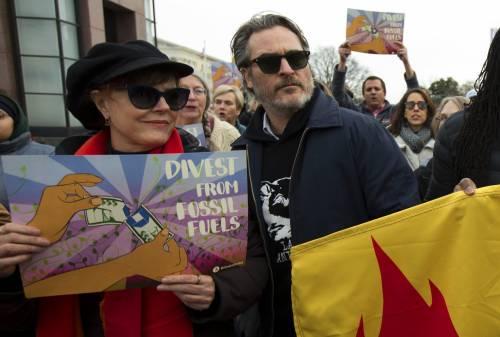 Joaquin Phoenix in piazza contro i cambiamenti climatici 3