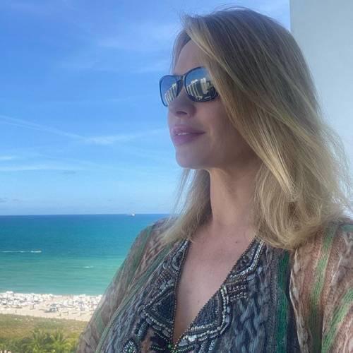 Gli scatti sexy di Anna Falchi 9