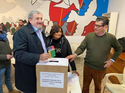 Primarie in Puglia: i quattro candidati nei seggi per votare 3