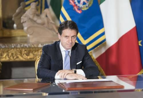 """Coronavirus, Conte: """"Chiudiamo in tutta Italia ogni attività non necessaria"""""""