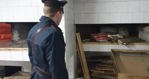 Cibo nella sporcizia e poi venduto: raffica di sequestri a Napoli