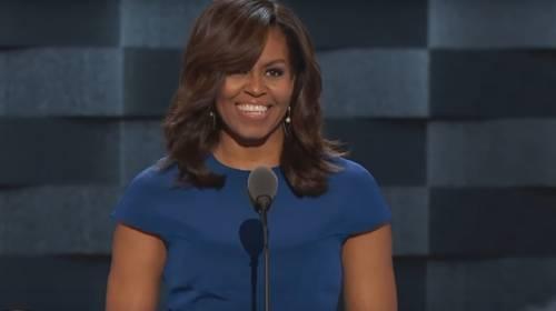 """Michelle Obama è depressa e la colpa è di Trump: """"Ansia nel cuore della notte per i conflitti razziali"""""""