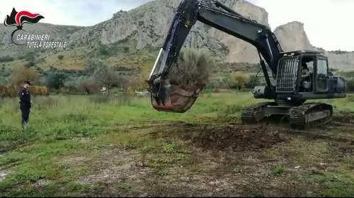Caserta, rifiuti pericolosi interrati: sequestrati due appezzamenti di terreno