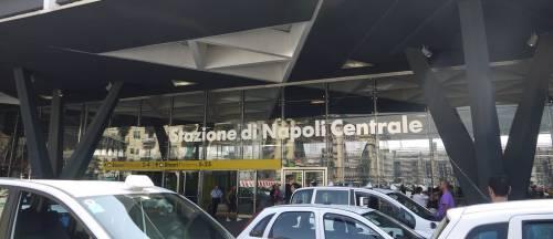 """Colpito alla gola dai ladri rom: """"Ora rischia danni permanenti"""""""
