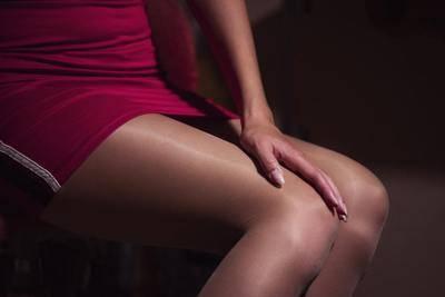 Sesso nel centro massaggi: le mogli dei clienti fanno scattare la denuncia