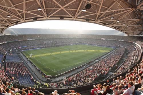 Vietato in Olanda, va in Belgio per chiamare il figlio Feyenoord