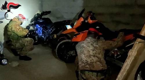 Foggia, trovate in un casolare abbandonato tre moto rubate