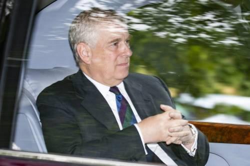 Caso Epstein, Fbi vuole interrogare il Principe Andrea ma il duca prende tempo