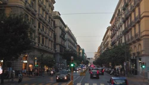 Napoli, prostituta ghanese pestata a sangue e abbandonata per strada