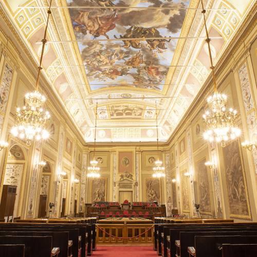 La Sala d'Ercole è il luogo nel quale si riuniscono, dal 1947, i deputati dell'Assemblea Regionale Siciliana