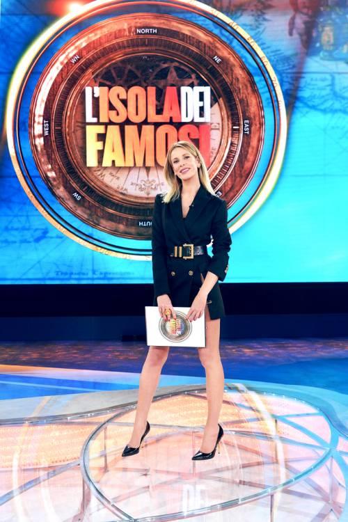 """Alessia Marcuzzi: """"A L'Isola dei famosi chiuso un ciclo, rifarò Temptation Island Vip"""""""