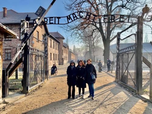 """Europarlamentari della Lega ad Auschwitz: """"Non basta onorare i morti, doveroso sostenere Israele"""""""