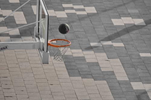 Giudice vieta pallone in oratorio: interviene il garante per l'infanzia