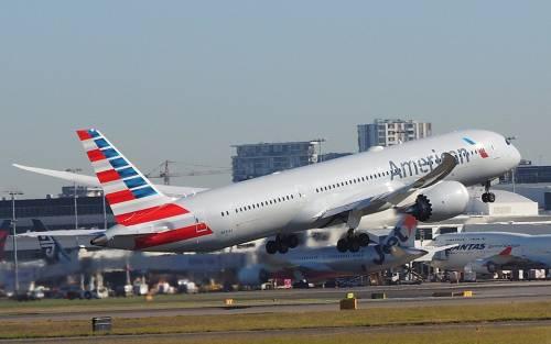 Usa, il caso della famiglia fatta scendere da un aereo perché puzzava