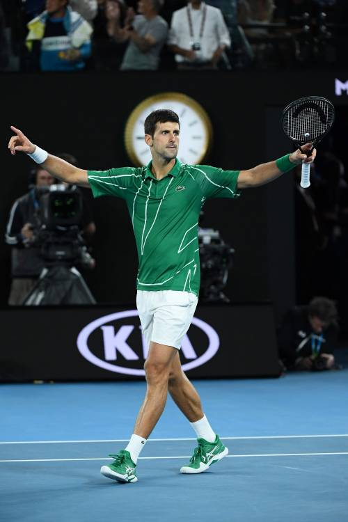 Australian Open, Djokovic trionfa ancora: battuto Thiem al 5 set