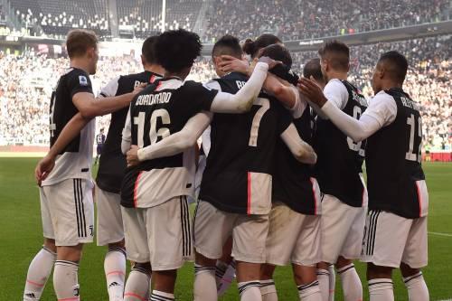 "La Juventus batte 3-0 la Fiorentina. Commisso al veleno: ""Gara decisa dall'arbitro"""