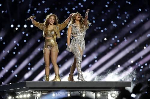 Jennifer Lopez e Shakira, tutti pazzi per loro al Super Bowl