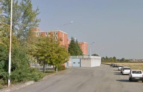 Pugni e testate contro 3 agenti: detenuto straniero li manda in ospedale