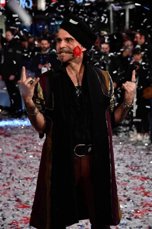 """Sanremo, la prima volta di Piero Pelù e l'endorsement alle Sardine: """"Per fortuna sono arrivate"""""""