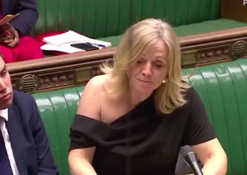 """Deputata inglese insultata per la spalla nuda in aula: """"Non sono una prostituta"""""""