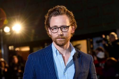 Tom Hiddleston protagonista della serie tv di Netflix White Stork