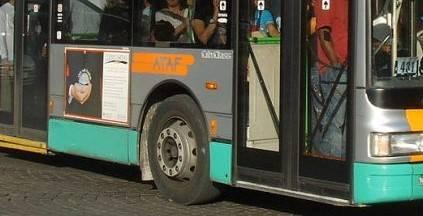 """Autista bus aggredito resta invalido e viene licenziato. Campidoglio dice """"No"""""""