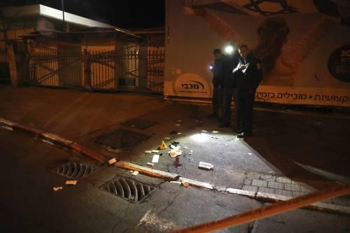 Sangue a Gerusalemme: Hamas lancia un'auto su 15 soldati israeliani