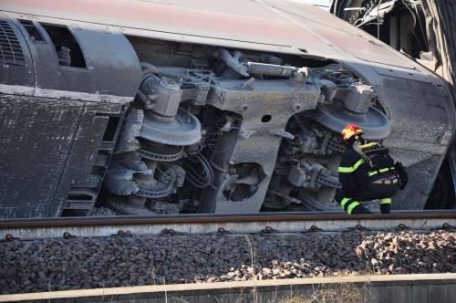 """Treno deragliato, il pm: """"C'è l'ipotesi di un errore umano"""""""