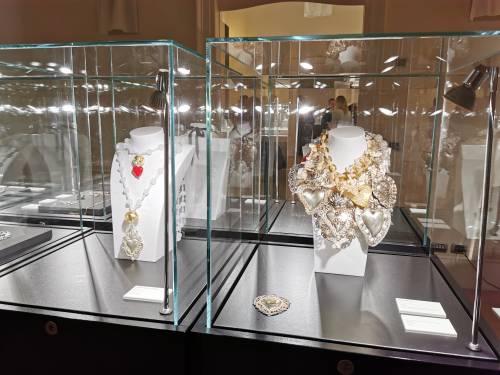 Homi Fashion&Jewels racconta in una mostra il cuore come simbolo del gioiello moda
