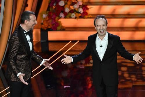 Roberto Benigni si prende la scena a Sanremo 4