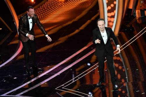 Roberto Benigni si prende la scena a Sanremo 5