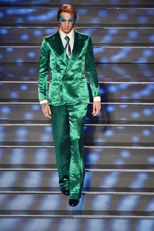Sanremo, Achille Lauro omaggia David Bowie per cantare Mia Martini