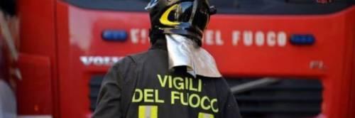 Lecce, incendio in una scuola: uno studente rimane ferito