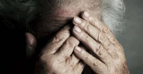 Bastonate alla madre 80enne per l'eredità
