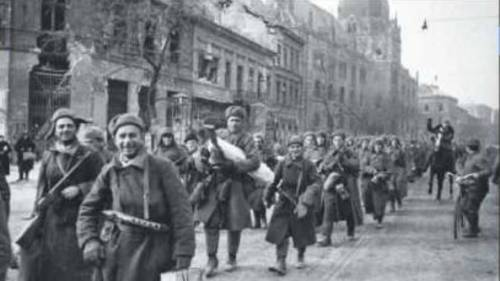 La comica mostruosità dell'occupazione sovietica