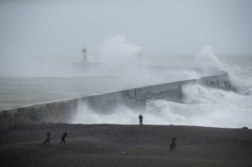 La tempesta Ciara arriva sull'Italia, raffiche di 100 Km/h