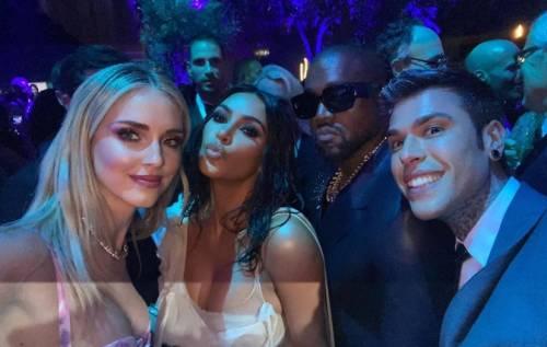 Fedez e Chiara Ferragni agli Oscar, imbarazzo di Kim Kardashian per le parole del rapper
